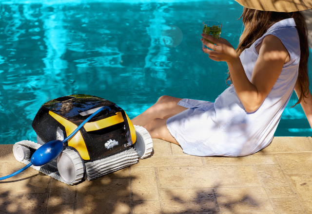 Dolphin E 25 Robotic Pool Cleaner