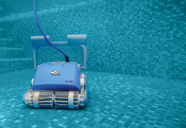 Dolphin M 400 Robotic Pool Cleaner