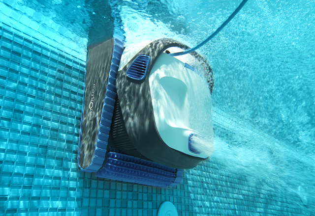 Dolphin S 300i Robotic Pool Cleaner