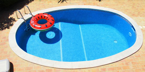 6 Best Pool Cleaner for Small Pools in 2021