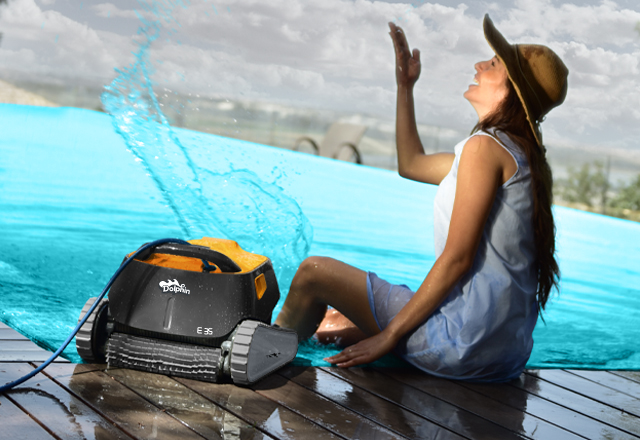 Dolphin E 35 Robotic Pool Cleaner